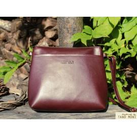 A KIS FEKETE táska Sötétbarna színben kézi és átvetős (új)
